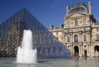 Luxury Escorted Paris Day Trip - includes guided tour of Le Louvre and Lunch on the Eiffel Tower.