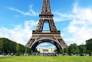 Luxury Escorted Paris Day Trip with Champagne Lunch on the Eiffel Tower