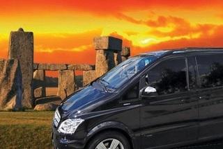 Thumb thumb stonehenge private car 1