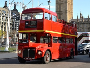 Vintage Open Top Bus Tour with Champagne Tea cruise on River Thames (PM)