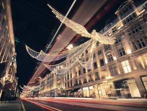 Christmas Lights Vintage Tour of London (7pm)