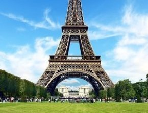 Luxury Escorted Paris Day Trip with Bateaux Parisiens lunch cruise