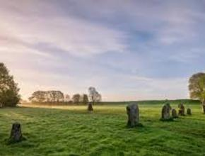 Stonehenge, Glastonbury and Avebury - Small Group Tour